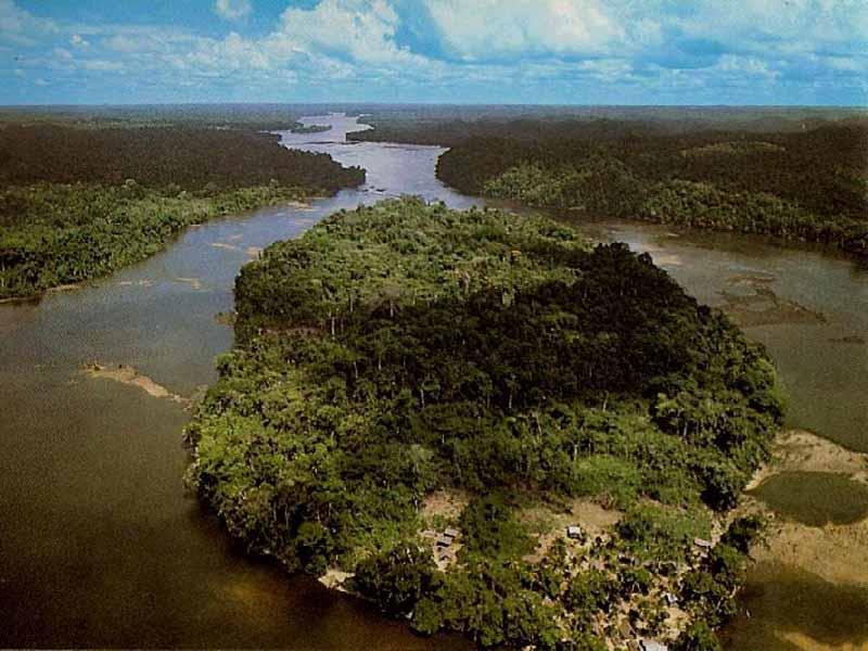 LE MARONI, fleuve frontière avec le Surinam